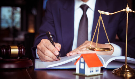 The Many Responsibilities and Key Job Roles of an Estate Settlement Lawyer